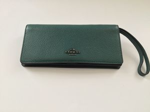 Coach Green Leather wristlet Wallet for Sale in San Francisco, CA