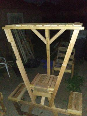 Table for 2 w pergola attached for Sale in Lodi, CA