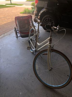 Bike and kids trailer in excellent shape for Sale in Windermere, FL