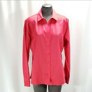 Red House Size Large Non-Iron Button Down Shirt for Sale in Redmond, WA