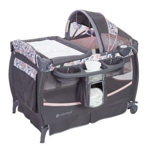 Baby Trend Deluxe II Nursery Center & Pack n Play for Sale in Miami, FL
