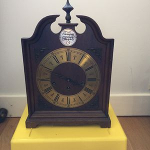 Antiques clock for Sale in San Leandro, CA