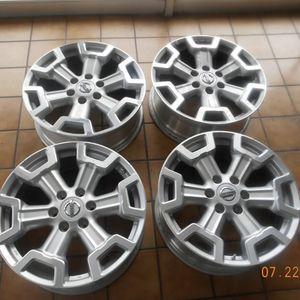 20inch Nissan Titan Stock Wheels for Sale in Newark, NJ