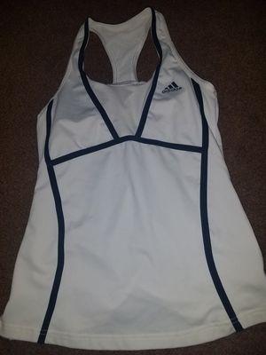 Adidas blusa size S $4 for Sale in San Bernardino, CA