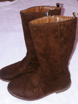 Brown girl boots size 2 for Sale in Chester, VA