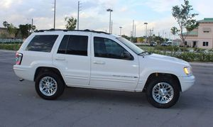 Very Good 2004 Jeep Grand Cherokee AWDWheels for Sale in Dallas, TX