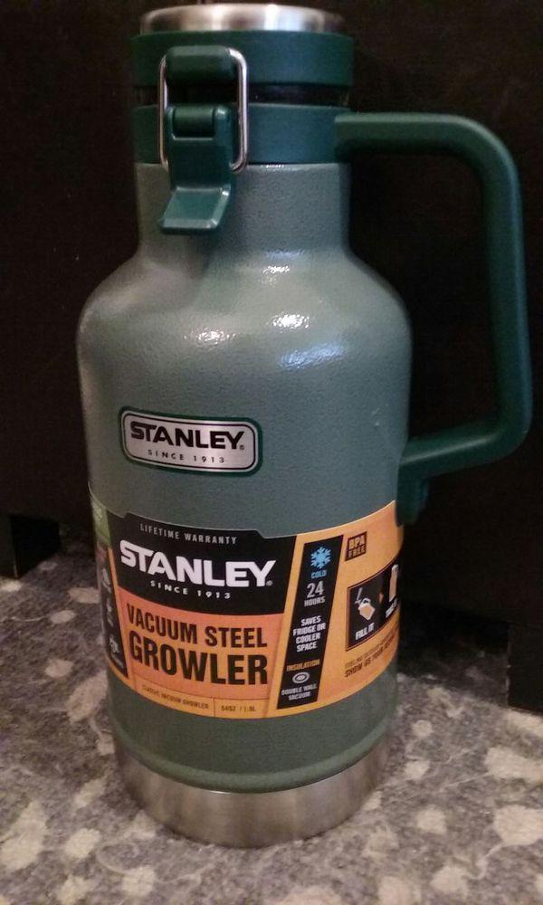 Stanley Vacuum Steel 64oz Growler