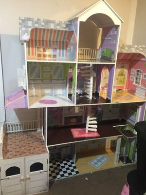 Big Doll House for Sale in Silver Spring, MD