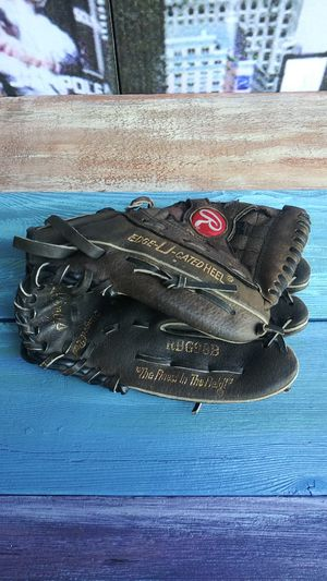 Rawlings youth baseball glove for Sale in Vancouver, WA
