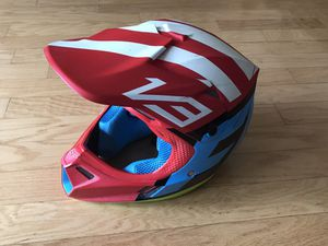 Fox V3 helmet creo Medium for Sale in Huntington Beach, CA