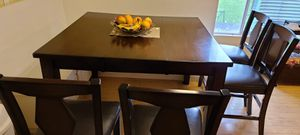 Table , chairs and console! for Sale in Kirkland, WA