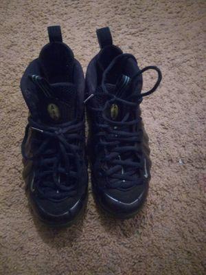 Nike Foamposites men size 8 1/2 for Sale in Alexandria, VA