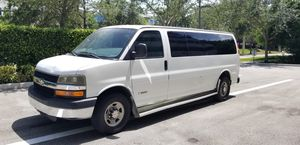 2005 CHEVY 3500 EXPRESS PASSENGER VAN 15 PASSENGERS for Sale in Miami, FL