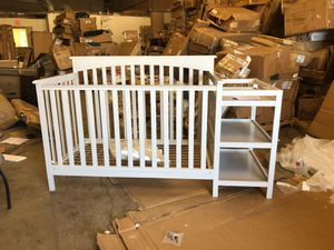 Crib with changing table (has minor damage) for Sale in Hurst, TX