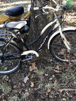 Vintage Huffy Ladies Bike for Sale in Selah, WA