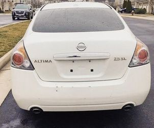2009 Nissan Altima NON SMOKER INSIDE for Sale in Detroit,  MI