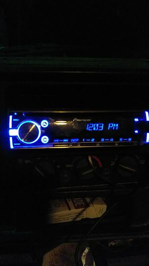 Pioneer head unit for Sale in Hannibal, MO