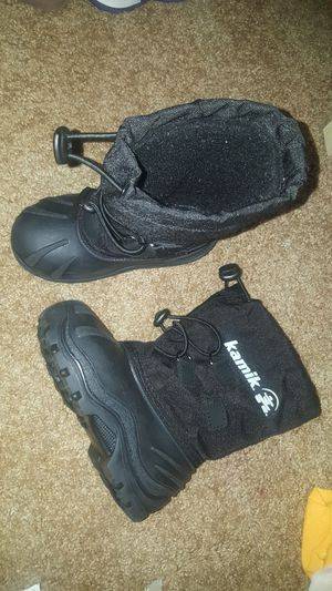 Toddler snow boots for Sale in Oak Lawn, IL