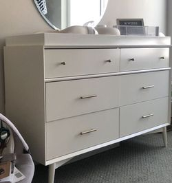 West Elm, Mid-Century 6-Drawer Changing Table w/ Removable Topper, White for Sale in San Jose,  CA