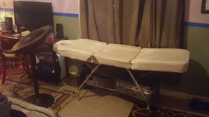 Massage table for Sale in Jefferson City, MO