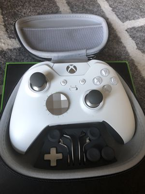 Xbox Elite Controller $140 Warranty w/ Battery for Sale in Washington, DC