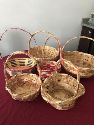 6 vintage Easter baskets for Sale in Mechanicsburg, PA