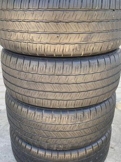 Set of 4 275/55/20 Goodyear for Sale in Bakersfield,  CA