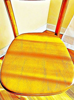 Wooden Shelby Williams Industries MCM chairs (4) with leather seat cushion. for Sale in Suwanee, GA