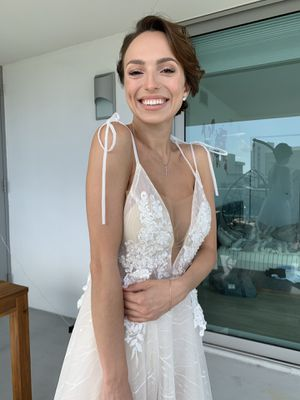 Sexy wedding dress for Sale in Miami, FL