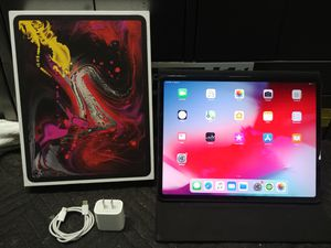 """iPad Pro 12.9"""" 256gb cellular + wifi for Sale in Levittown, PA"""