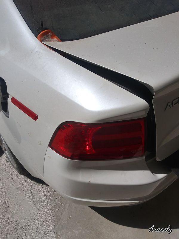 Acura tl 2004. Para partes motor bueno solo la tapa del carter rota