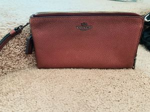 Coach Burgundy Wristlet for Sale in Columbus, OH