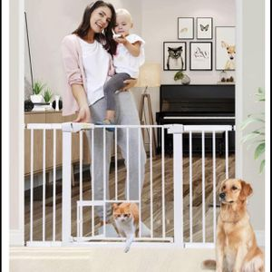 """Lemon tree auto closed Baby Gate with Cat Door for Doorways and Stairs,30""""-51""""wide 30""""high for Sale in Las Vegas, NV"""