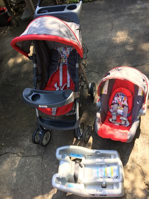 Car seat stroller set for Sale in Stone Mountain, GA
