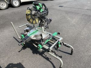 """Hitatchi 10"""" compound miter saw with stand for Sale in Goldsboro, PA"""