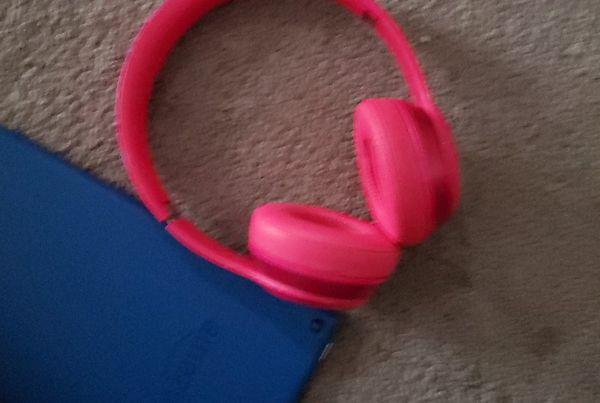 Amazon tablet & beat headphones