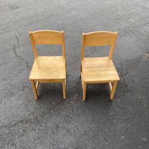 2 Kids Chairs for Sale in Philadelphia, PA