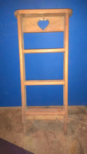Wooden ladder style Nick nack shelf for Sale in Lexington, NC