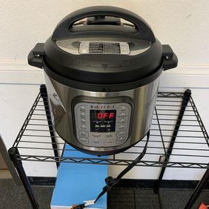 Instant Pot Duo 7-in-1 Multi Cooker- 8Qt for Sale in Colton, CA