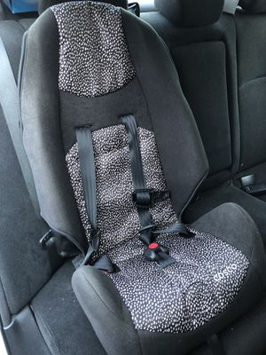 Front facing Cosco Baby booster car seat (2-5 year old) for Sale in Buffalo Grove, IL