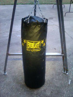 Everlast punching bag for Sale in Jonesboro, GA