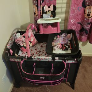 Minnie Mouse Crib Set for Sale in Stone Mountain, GA