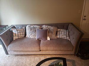 Sofa for Sale in Mountlake Terrace, WA