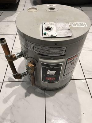 BRADFORD ELECTRIC 6GAL WATERHEATER for Sale in San Jose, CA