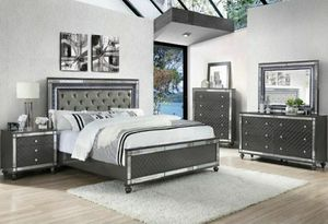 Glam mirror queen bedroom set 4PC ( queen bed frame , dresser , mirror and nightstand ) for Sale in Buena Park, CA