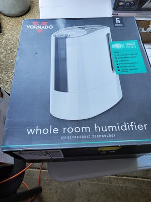 Room humidifier for Sale in Cleveland, OH