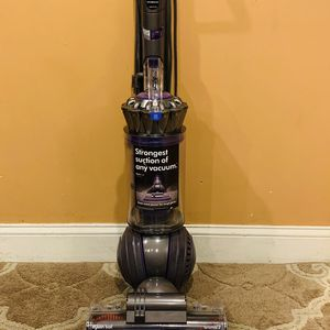 Dyson UP 20 animal two vacuum cleaner for Sale in Raymond, NH