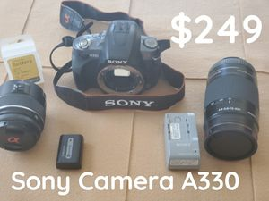 SONY CAMERA A330 GREAT CONDITION MANY EXTRAS for Sale in Henderson, NV