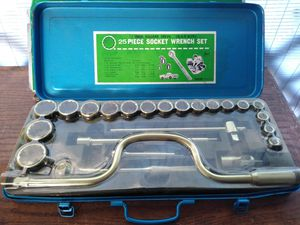 Vintage 1960's Hanson 25 piece socket wrench set for Sale in Tampa, FL