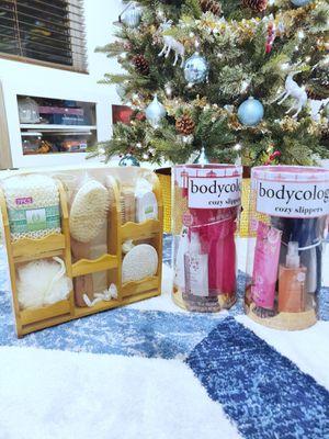 Set of 3 bath body gift sets for Sale in Auburn, WA